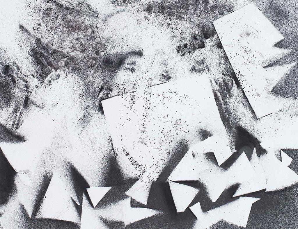 To the point #2 | Inkt en houtskool op papier, 71 x 56